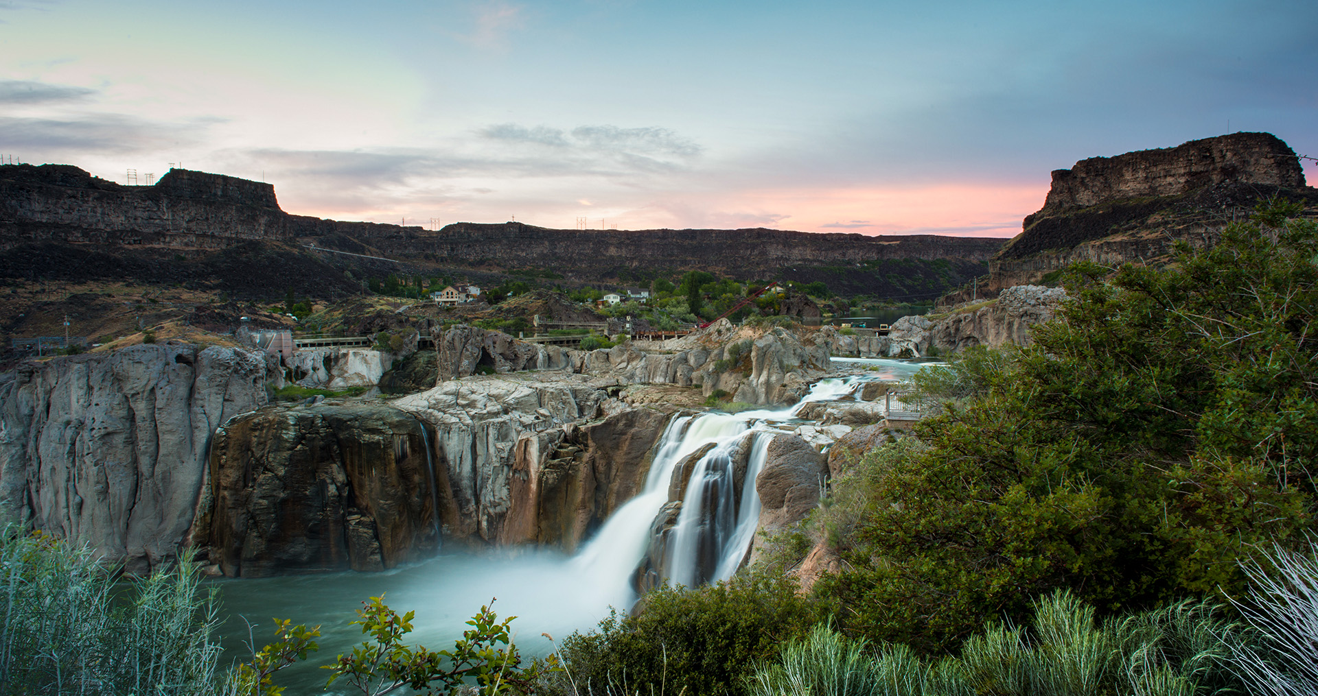 shoshone falls at sunrise