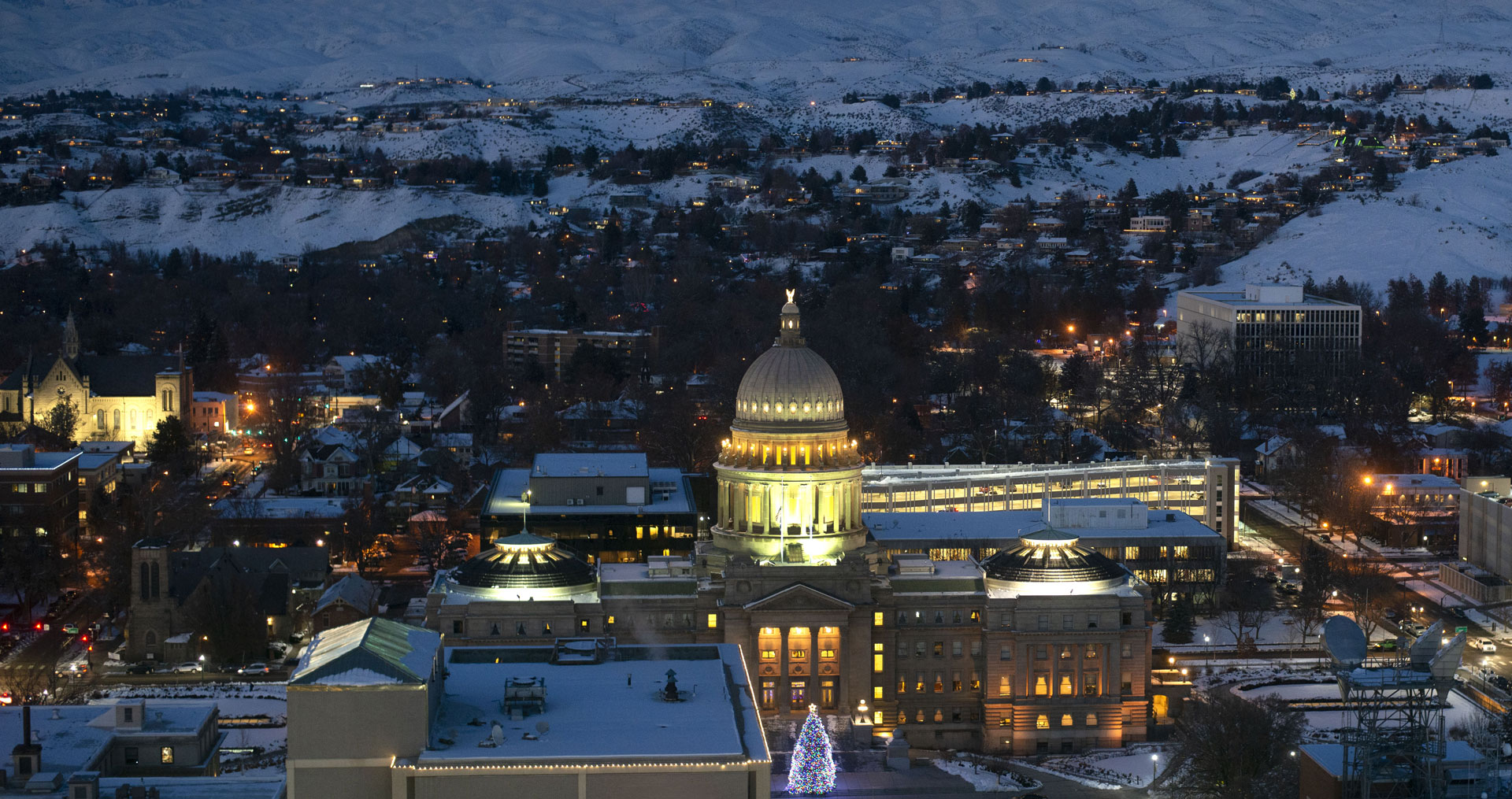 picture of downtown Boise at night