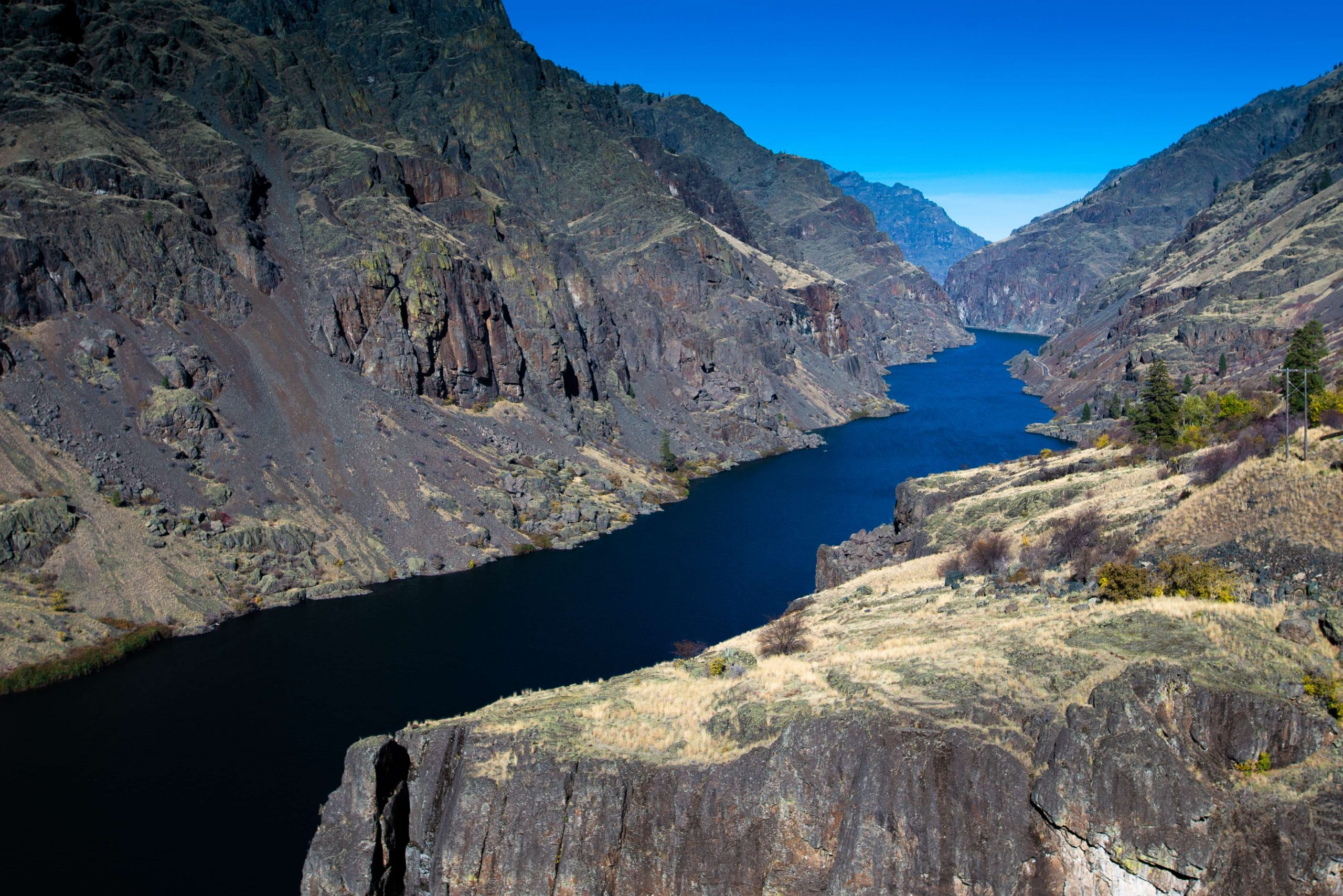 Scenic photo of Hells Canyon in early fall